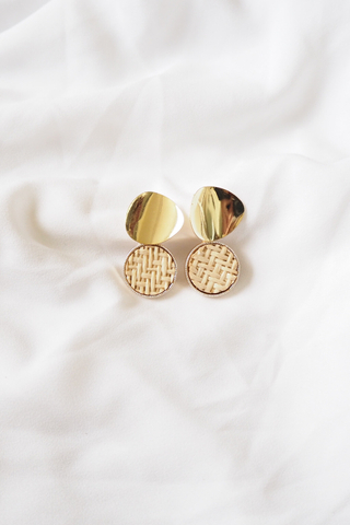 Round Weave Earstuds (Light)