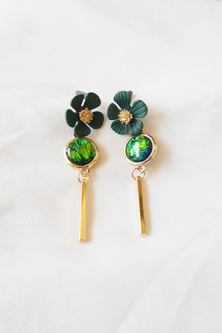 Molly Flower Earstuds