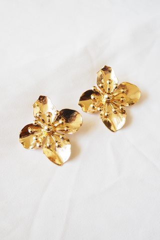 Gold Flower Earstuds
