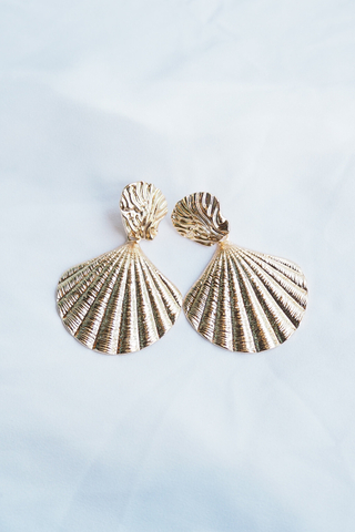 Shell Earstuds (Gold)