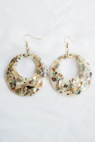 Crushed Shell Earrings (White)