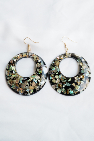 Crushed Shell Earrings (Black)