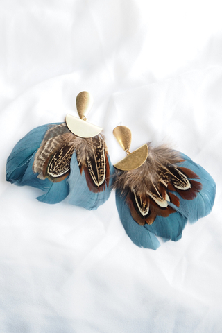 Feather Earstuds (Blue)