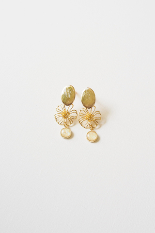 Eloise Flower Earstuds (Yellow)