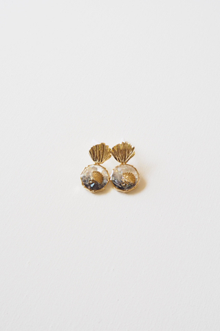 Shell Earstuds (Gradient Blue)