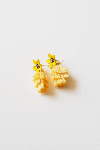 Tassel Flower Earstuds (Yellow)