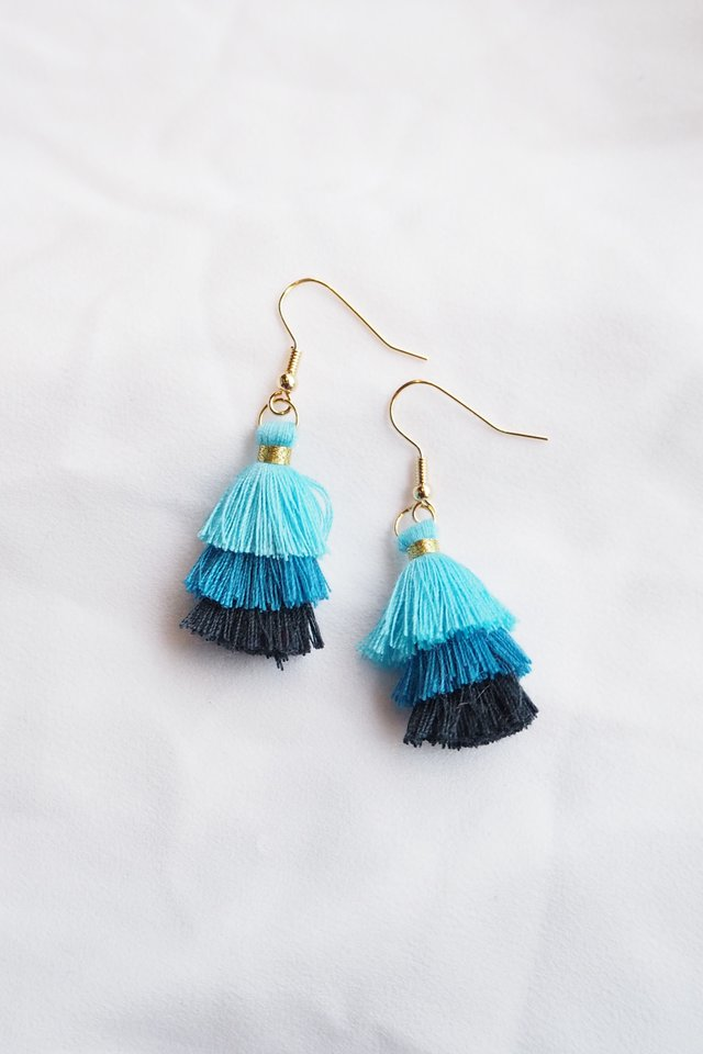 Mini Tassel Earrings (Blue)