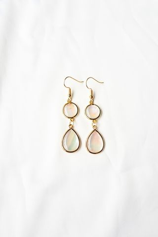 Quinn Seashell Earrings (Light)
