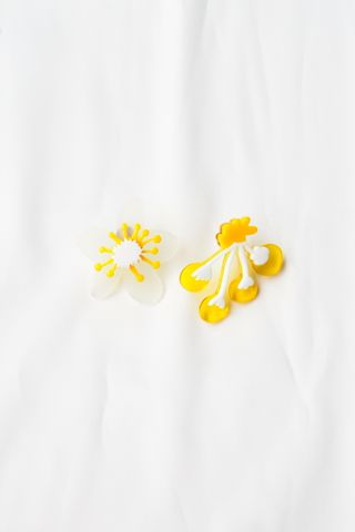 Abstract Blooms Earstuds (Yellow)