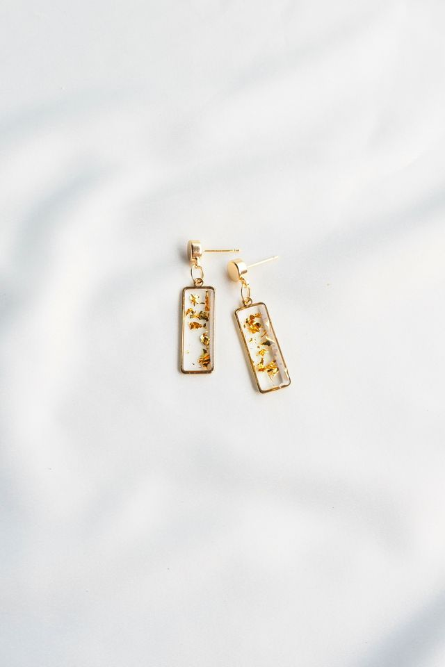 Gold Flakes Earstuds