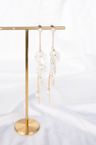 Petal & Pearl Dangle Earstuds