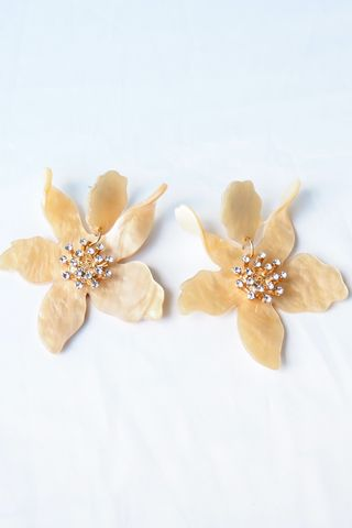 Apryl Flower Earstuds (Yellow)