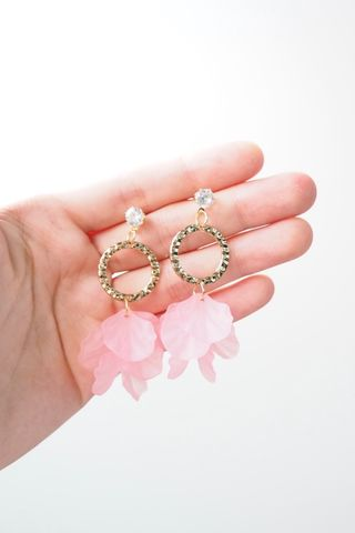 Rowen Petal Dangle Earstuds