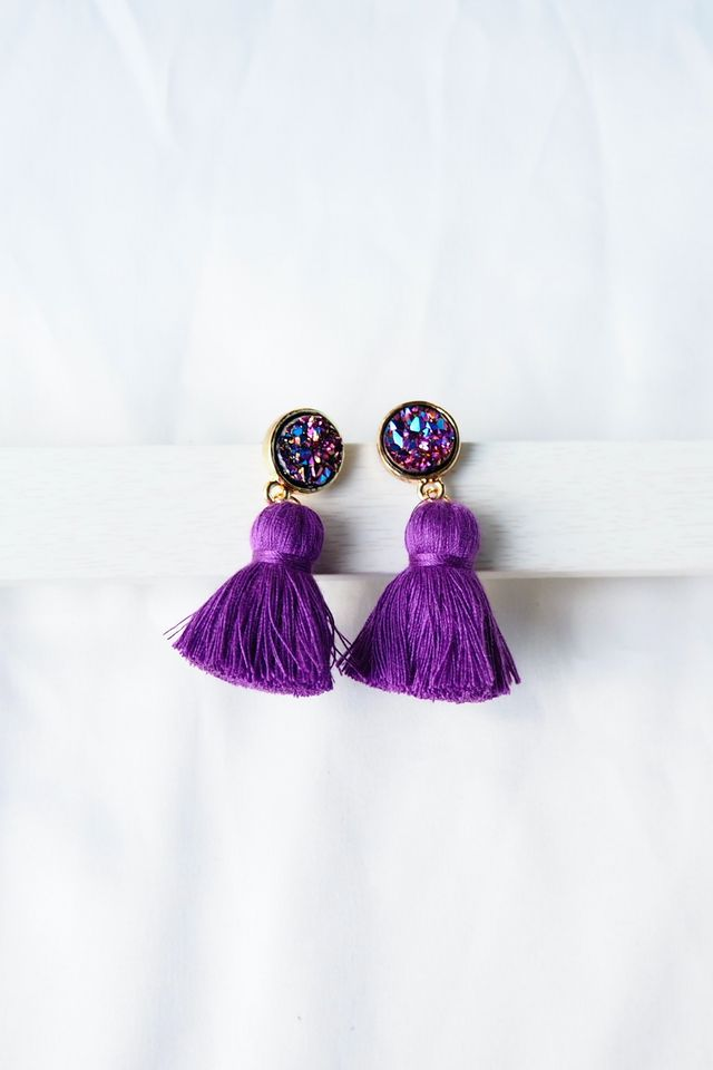 Quartz Tassel Earstuds (Purple)
