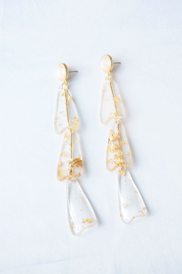 Sonia Earstuds (Gold Flakes)