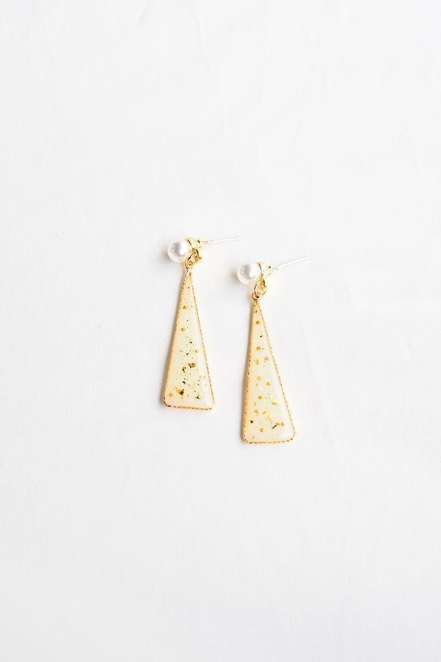 Alexis Triangle Earstuds (Gold)