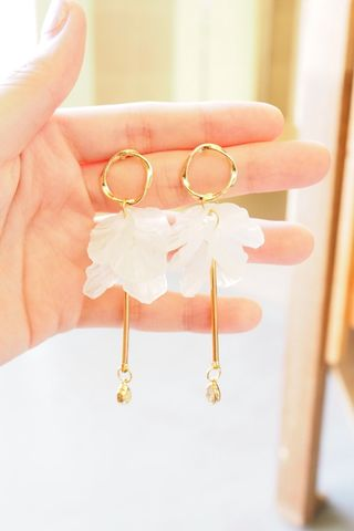 Shina Petal Dangle Earstuds
