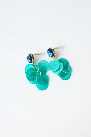 Gradient Layered Shell Earstuds (Turquoise)