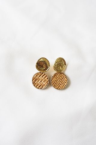 Weave Earstuds (Light)
