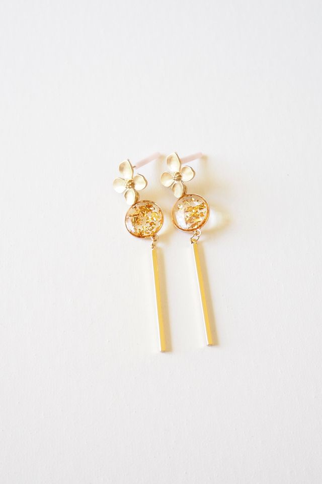 Flower Dangle Earstuds