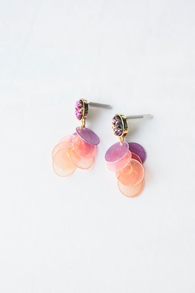 Gradient Layered Shell Earstuds (Pink)