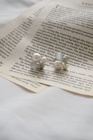 Pearly Earstuds (Silver)