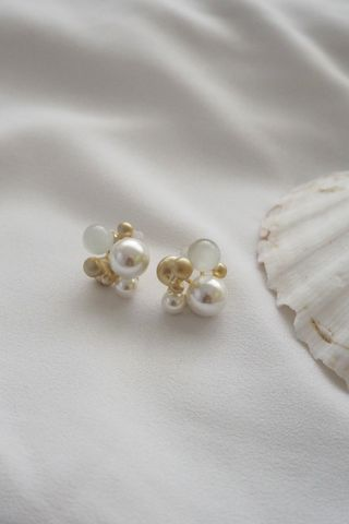 Pearly Earstuds (Gold)