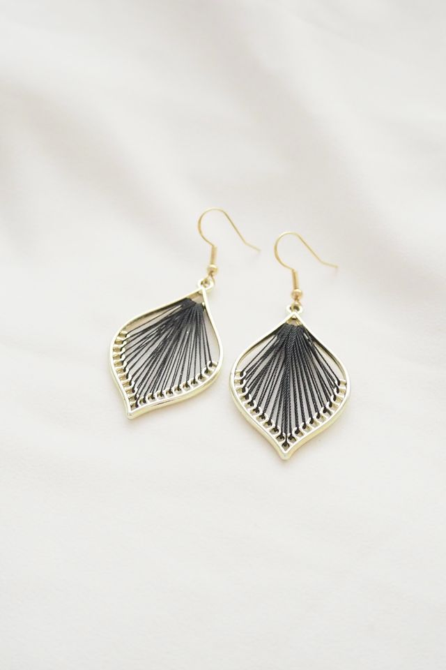 Cory Earrings (Black)