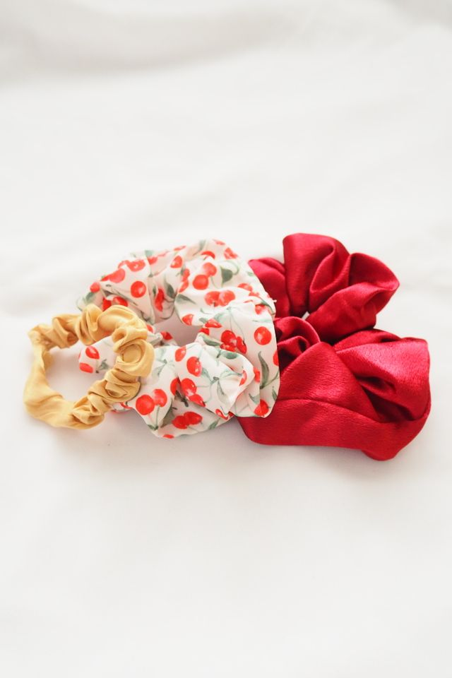 Scrunchies Set (Cherry)