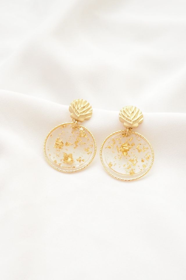 Gold Dust Shell Earstuds