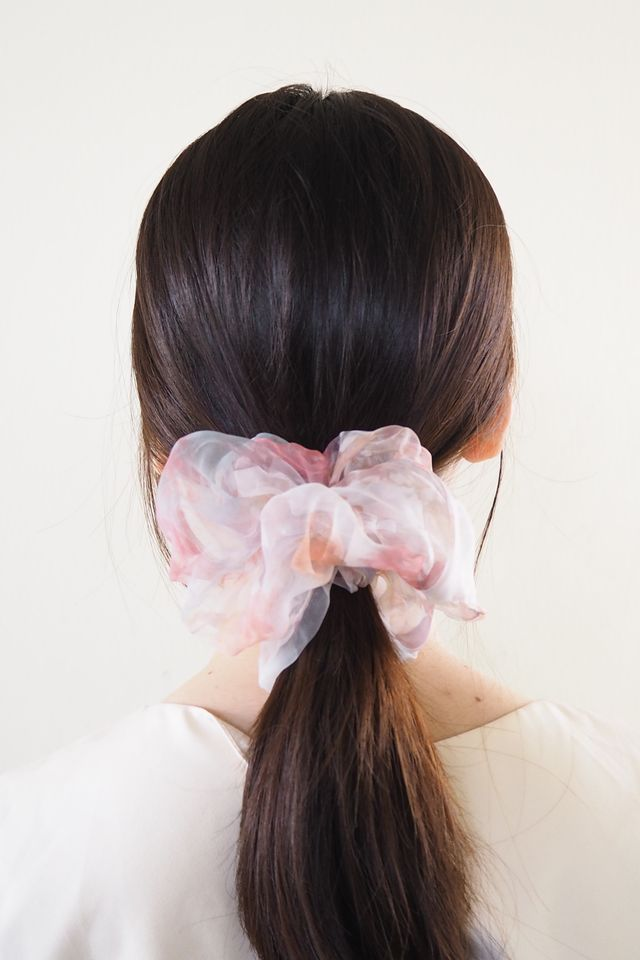Big Scrunchie (Watercolour Pink)