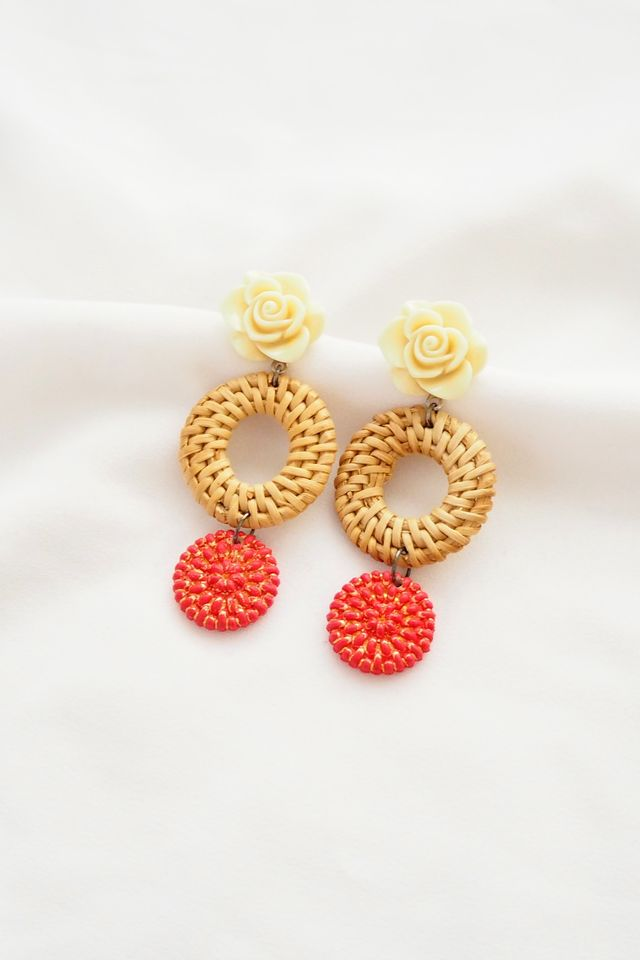 Flower Rattan Earstuds (Red)