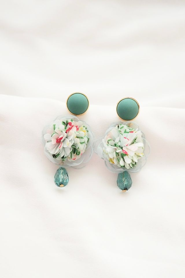 Chiffon Flower Gem Earstuds (Blue)