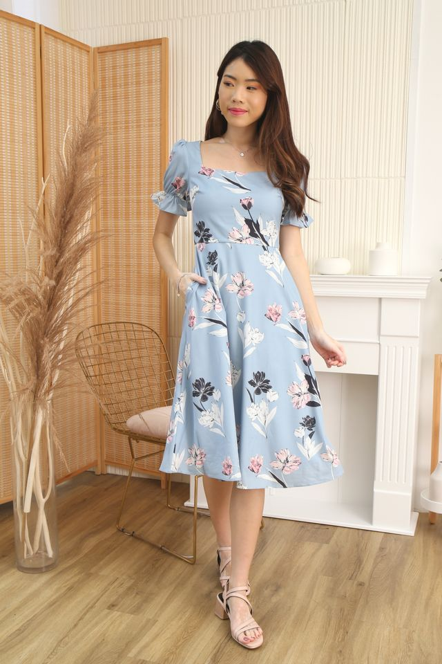 Emma Floral Midi in Blue
