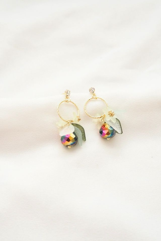 Fiora Petal Earstuds in Midnight