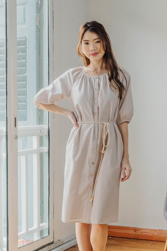 Lis Two Way Dress in Ecru