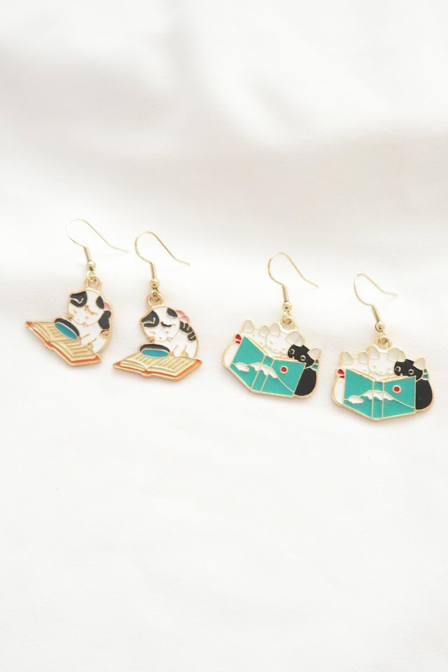 Kitty Book Club Earrings (B)