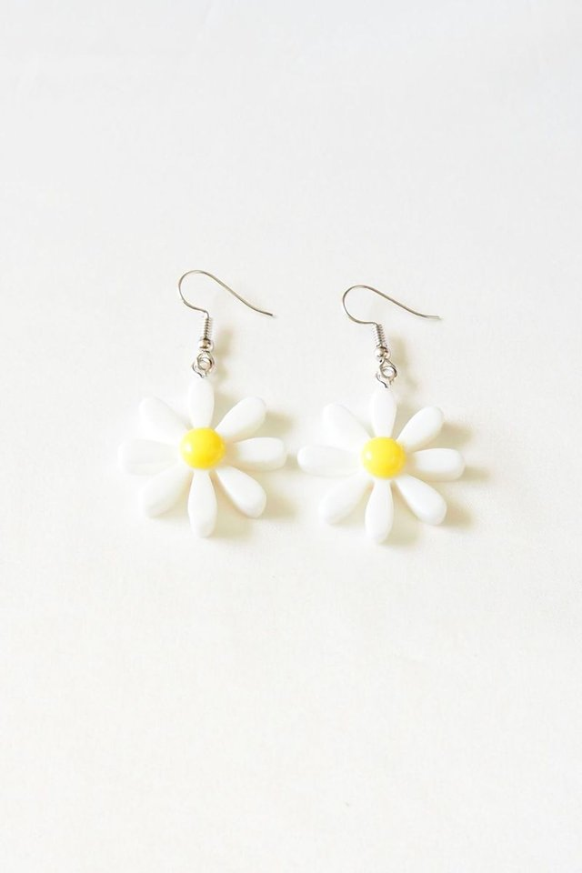 Daisy Earrings in White