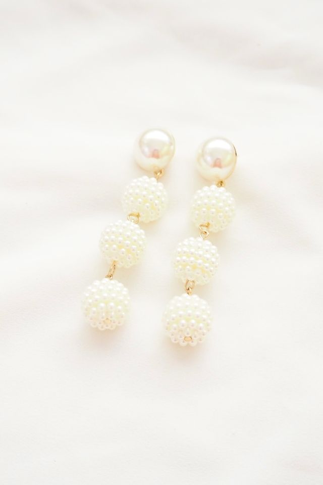 Pearly Dangle Earstuds