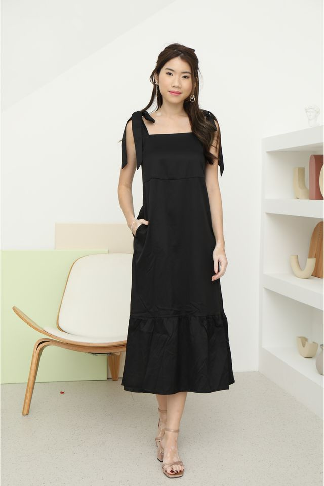 Tie Shoulder Maxi in Black