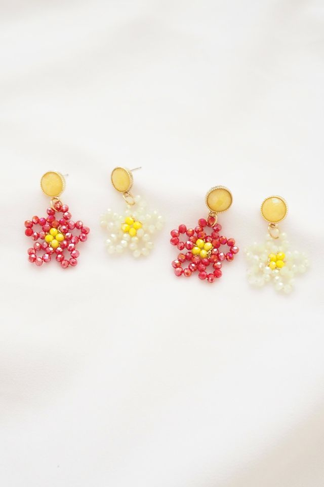 Beaded Flower Earstuds in Red