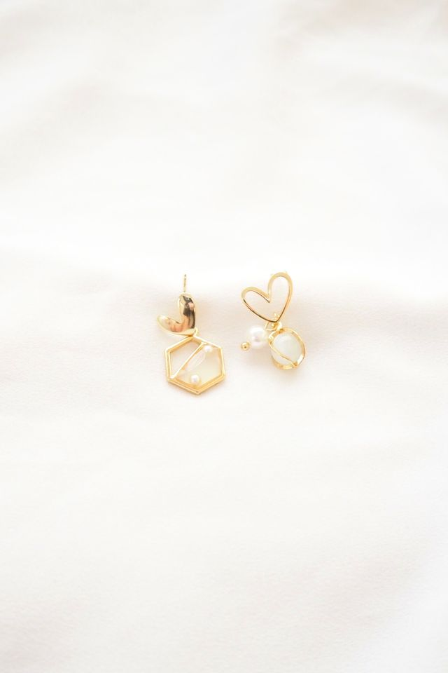 Mismatched Heart Earstuds
