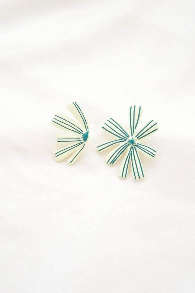 Rev Mismatched Bloom Earstuds