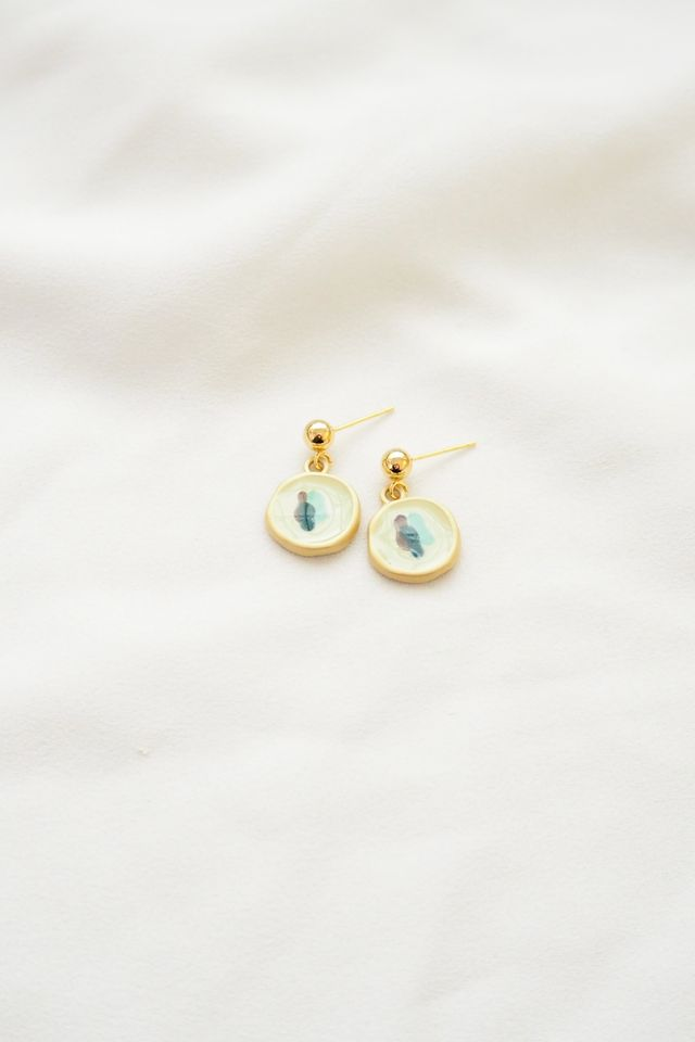 Colour Pop Earstuds in White