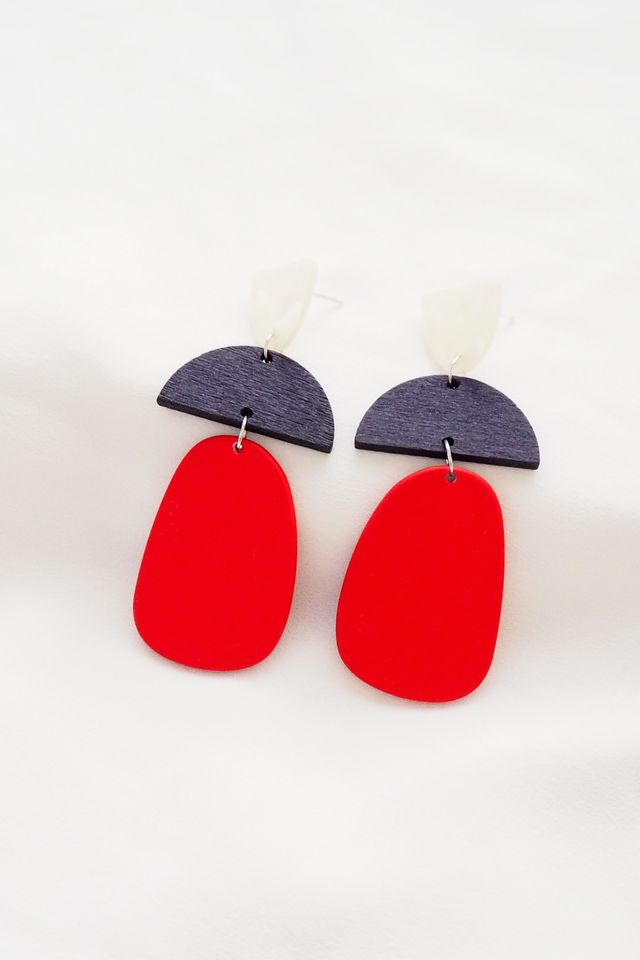 Selin Earstuds in Red