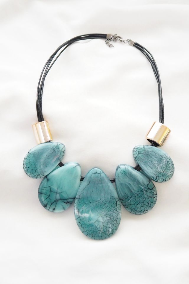 Irin Necklace in Teal