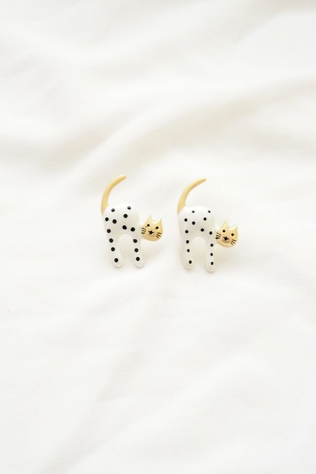 Kitty Earstuds in White